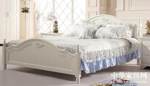 韩式实木床演绎浪漫卧室风