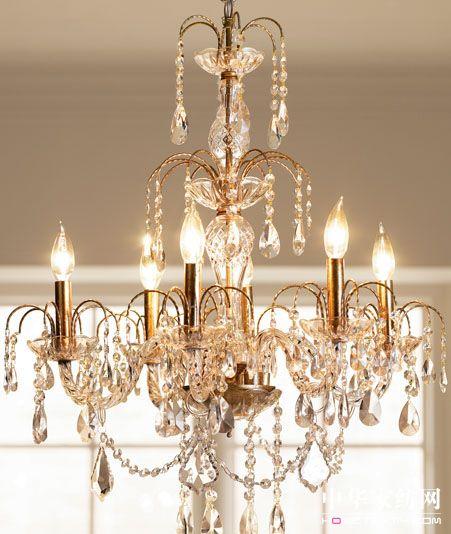 欧式古典吊灯华丽而古朴