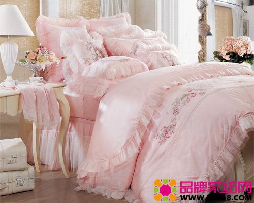 浪漫粉色床品见证幸福时刻_中华家纺网