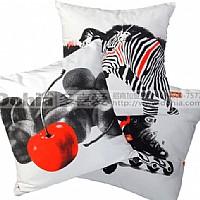 多喜爱家纺恋时尚系列大方抱枕产品图片展示