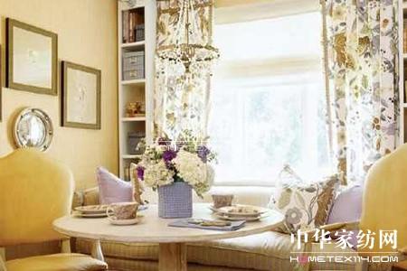飘窗窗帘搭配营造独特室内风景