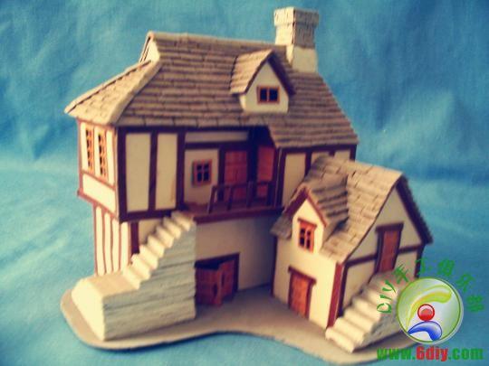 父亲的手工纸做小房子