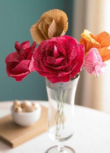 用旧报纸制作纸质玫瑰花