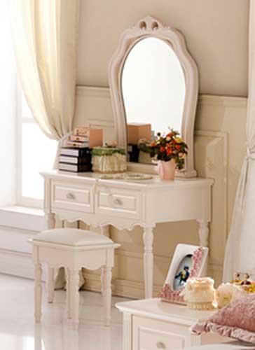 搭配二:象牙白儿童梳妆台,富含欧式风格的艺术底蕴,既不像纯白