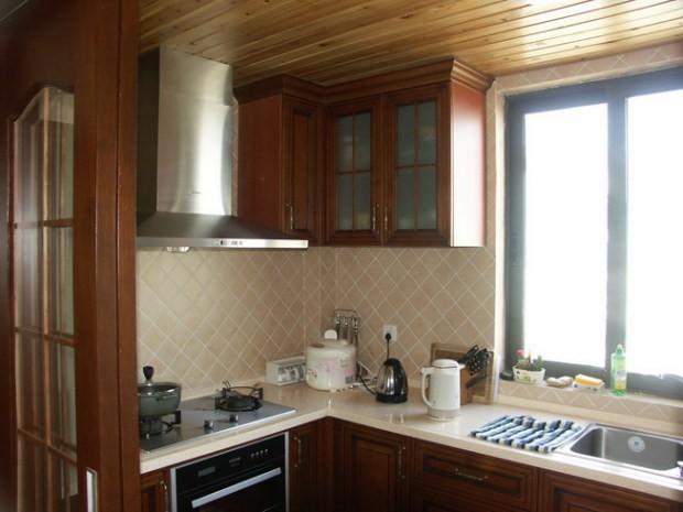 温馨美式乡村风格复式家装高清图片