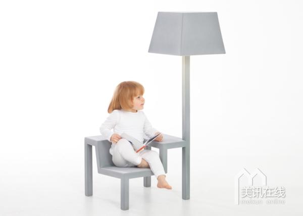 roije为儿童设计了一款多功能家具,集椅子,桌子和灯三重功能相结合.图片
