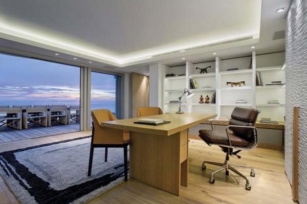 饭厅,客厅和厨房呈开放式设计,直接