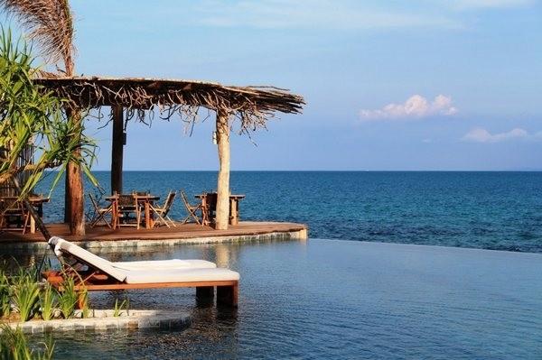 该私人岛屿度假村魅力无限,从西哈努克港口乘快艇约35分钟便可抵达.