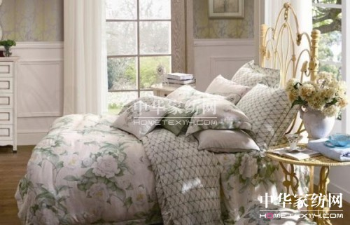 惠谊家纺:卧室里的优雅复古妆