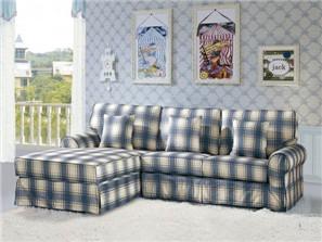 雅致清新客厅 布艺沙发色彩凸显时尚