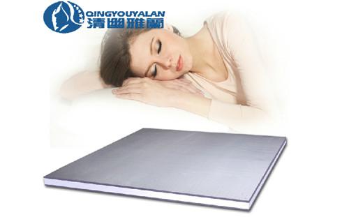 雅兰:竹炭乳胶床垫加强睡眠舒适度