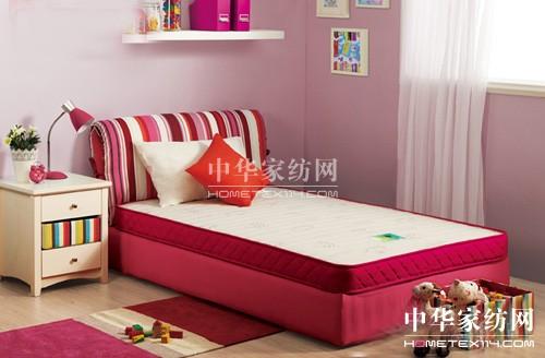 儿童床垫价格差异大材料无标准