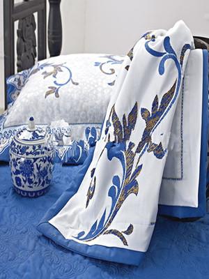 """雨兰""""韵染青瓷""""云毯 蕴含古典青瓷文化"""