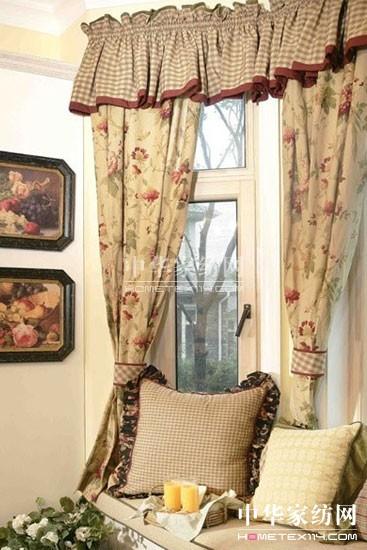 因此侧装支架对窗帘的活动没有任何