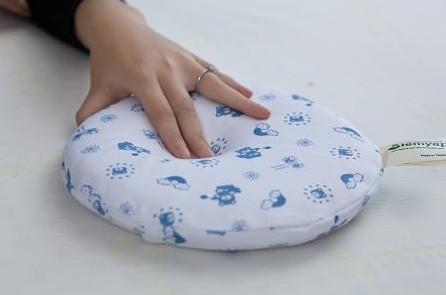 乳胶枕适合刚出生的婴儿吗?