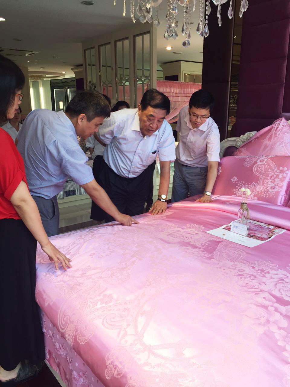 国际纺织制造商联合会王天凯主席视察罗曼罗兰集团
