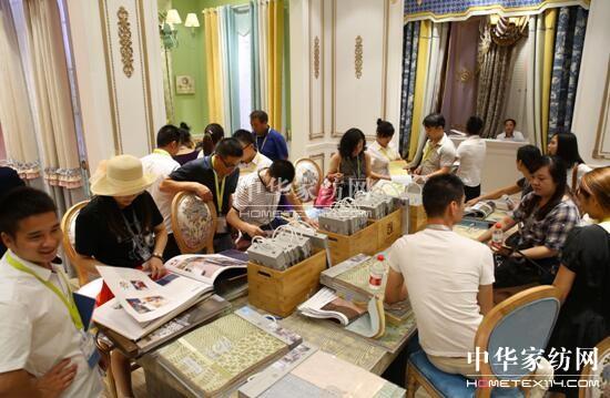 奢侈范色彩牌素朴风齐上阵布艺大咖们即将在家纺展会上演时尚大剧