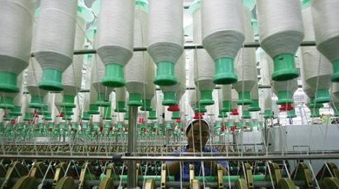 新疆纺织服装产业投资升温三年新增就业逾24万人