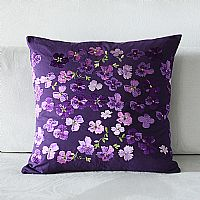 紫色碎花靠垫