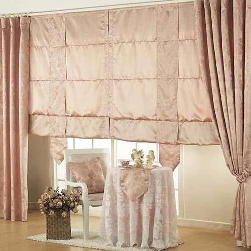 装点迷人春光的可爱窗帘