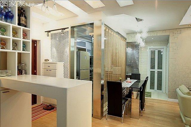 這個戶型廚房,餐廳,客廳在一線,如何裝修!