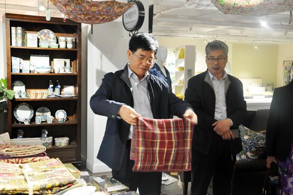 省市侨办领导考察调研莫特斯,与王总座谈企业发展