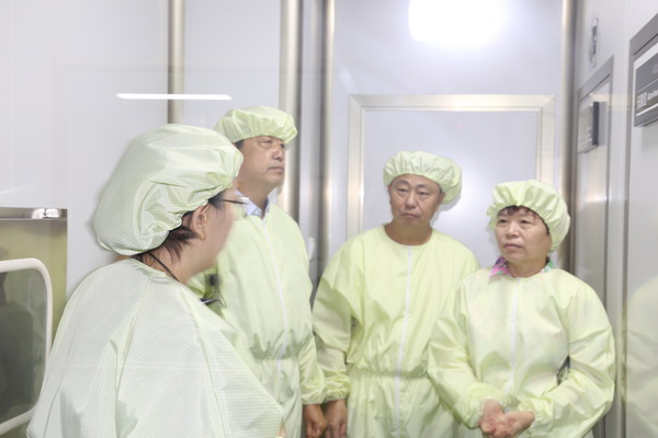 潍坊迅纺抑菌耐洗涤功能性面料已达国际先进水平,顺利通过鉴定